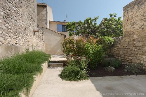 vue-exterieur-maison-village-web
