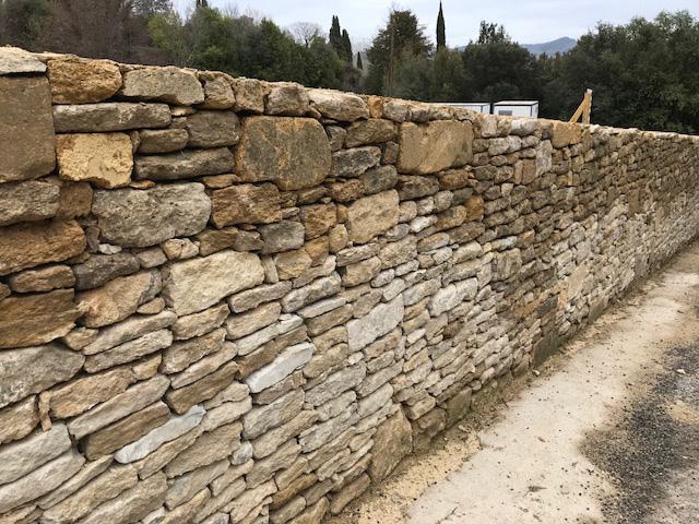 murs-de-clotures-en-pierres